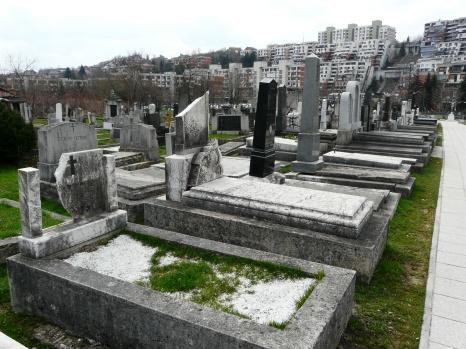 Grobovi dr. Alexander Dornera i dr. Josefa Koetscheta na groblju sv. Mihovil u Sarajevu.