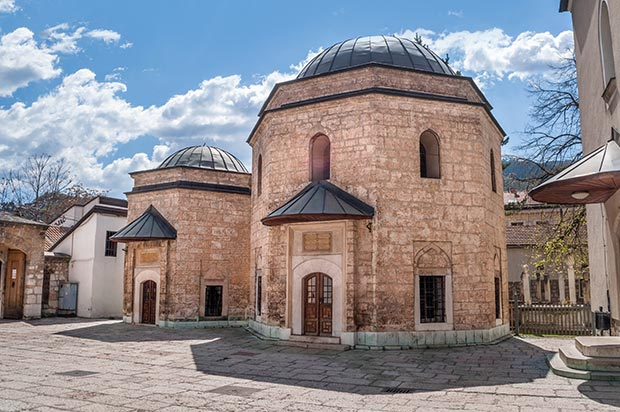 Turbe_Gazi_Husrev_Beg_Mosque_Photo(c)_IslamicArtsMagazine_04