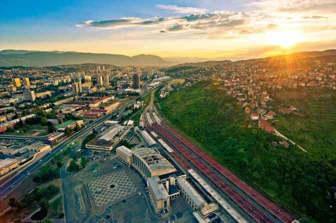 panorama-sunset-sarajevo-train-station